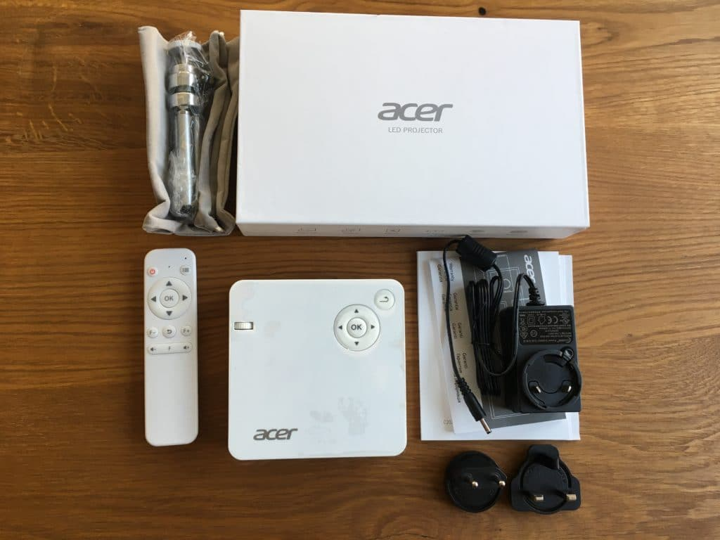 Acer C202i Lieferumfang 1024x768 1